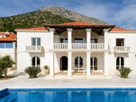 Luxury villa with pool in Dubrovnik area