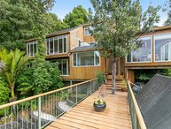 Modern Zen Treetop Home With Views - Waiatarua Holiday Home, Waitakere City