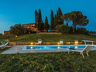 CASALE RASA 16 + 2, Emma Villas Exclusive