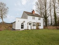 Glanbrogan Cottage, Llanfyllin