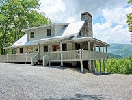 Bear Necessities-4BR, 4BA Private Cabin with Beech Mtn Views, Game Room, AC, WIF