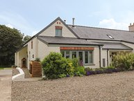 EAST BARN, 2 bedroom, Pembrokeshire