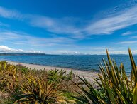 Chalet Mahuta - Five Mile Bay Holiday Home, Five Mile Bay