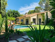 LS1-236 Beautiful rental for 8 people in St Rémy de Provence with private pool