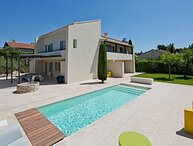 LS1-364 MISTRAL - Beautiful rental in Provence for 12 people and heated pool