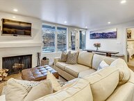 Stunning, renovated w/ski access, pool & hot tub