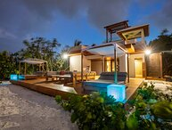 Villa Beach Cake | Beach Front - Located in Exquisite Grace Bay with Private Po